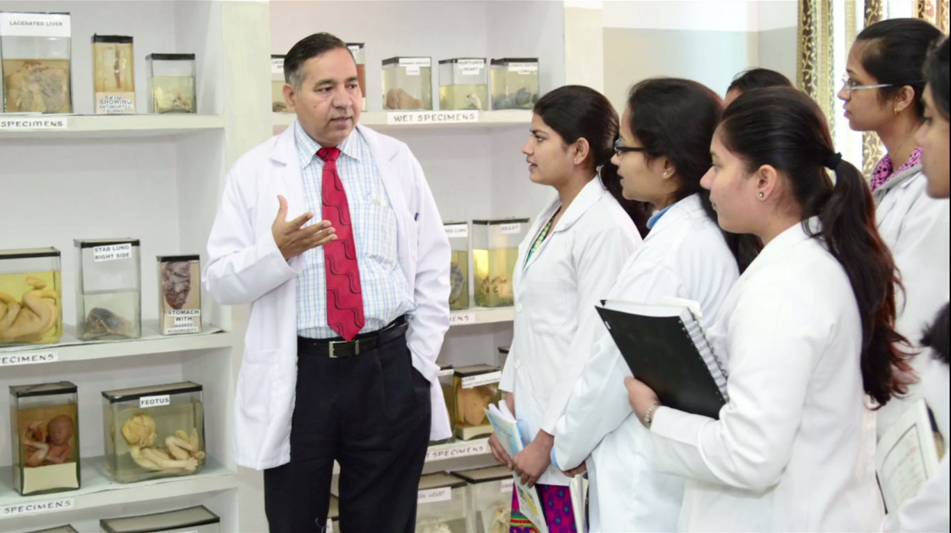 Medical Admission Consultants At Delhi Assisting Pupils With Right Info - University & College